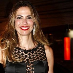 ROBERIO DE OGUM ERROU: LUCIANA GIMENEZ FELIZ NO CASAMENTO
