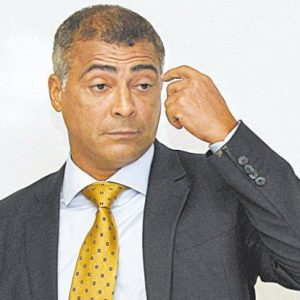 ROBERIO DE OGUM ACERTA DE NOVO: ROMÁRIO NÃO É ELEITO GOVERNADOR