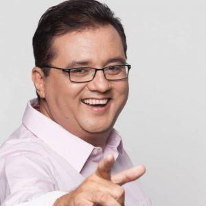 ROBERIO DE OGUM ERROU: GERALDO LUIS NÃO SAIU DA RECORD