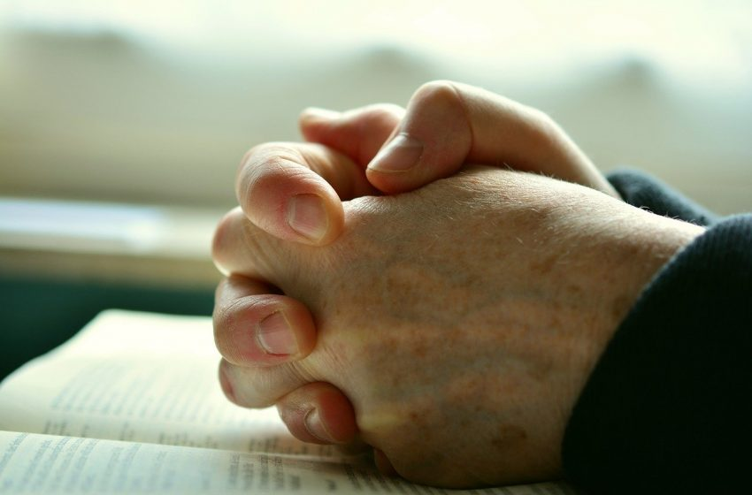 Rezar ao Pai, Jesus Cristo (Mateus, 6:9-13)
