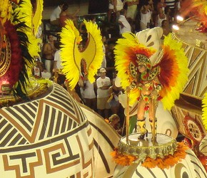Roberio de Ogum faz e acerta previsão para escolas de samba, do Rio e São Paulo. Confira!