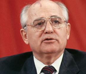 """Roberio de Ogum prevê: """"Gorbachev voltará ao lugar que lhe pertence."""""""