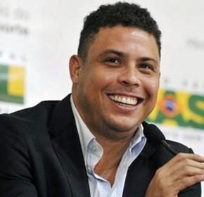 Roberio de Ogum Acerta de Novo! 2011. TV Fama. Ronaldinho para de jogar,e vai ter outra atividade.