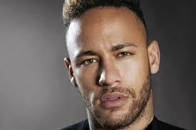 Roberio de Ogum acerta de novo! No T.V Fama dia 23/05/2013, afirmou Neymar deixará o Brasil, dia 25/05/2013 confirmou sua ida para o Barcelona.